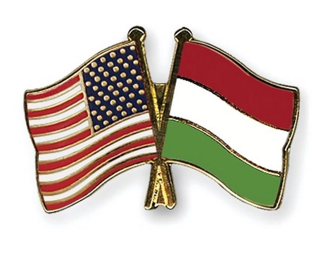 amerikai és magyar zászló.jpg