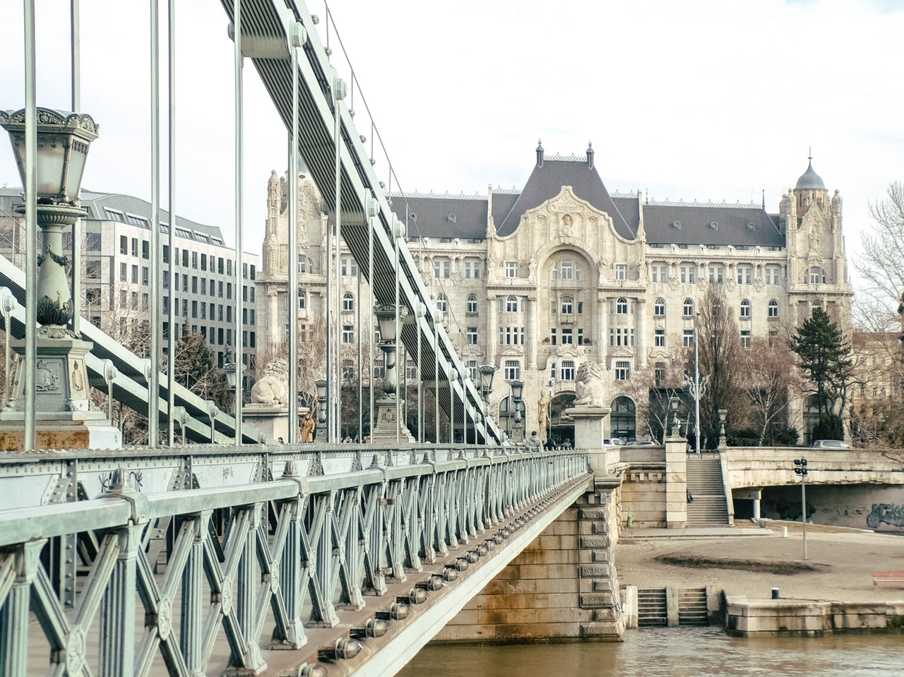 budapest_9_lanchid_foto_pexels_com_nagy_niki.jpg