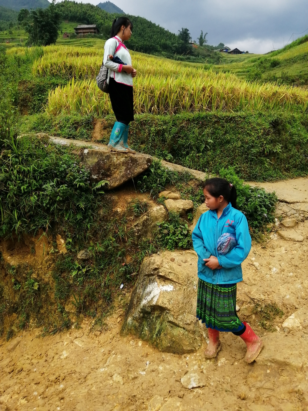 hmong-lanyok-zold-szoknya.jpg