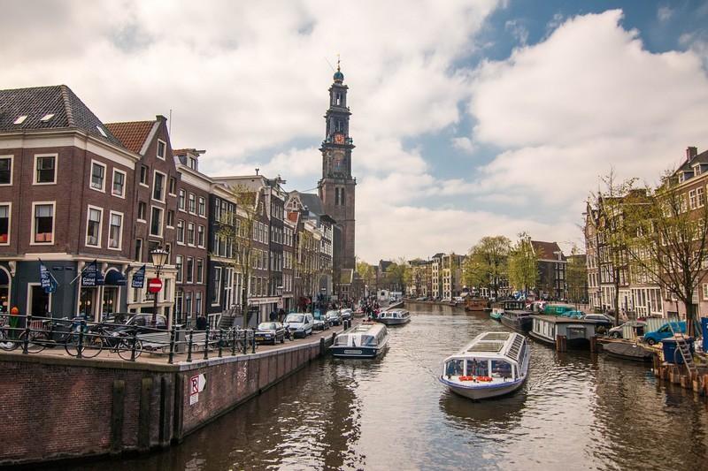hollandia_amszterdam_2_foto_pixabay_com_neshom.jpg