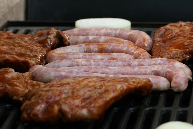 kolbász, hús grill.jpg
