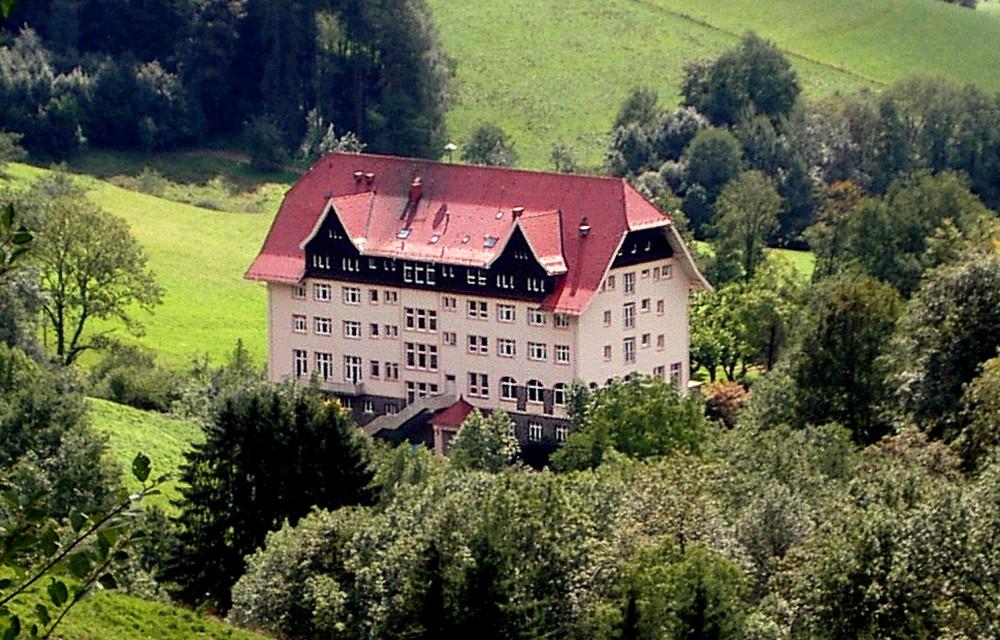nemetorszag_carlsbau_schwarzwaldklinik.jpg