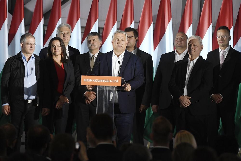 orban_es_fidesz_vezetes_2019_oktober_foto_mti_koszticsak_szilard.jpg