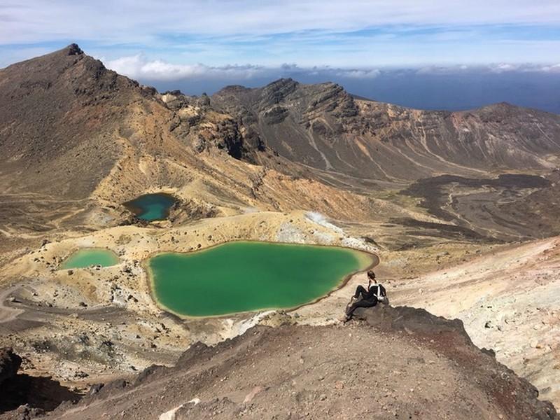 tongariro_crossing_emerald_lakes.jpeg