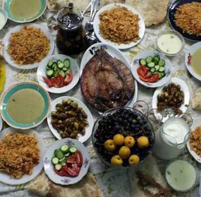 vacsora egy egyiptomi asztalon.jpg