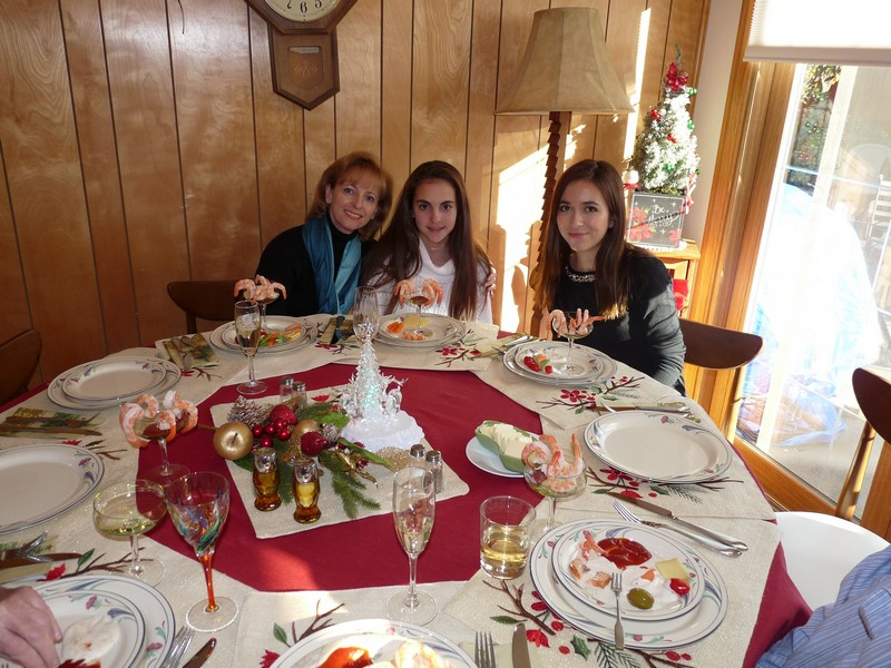 xmas_lunch_girls.jpg