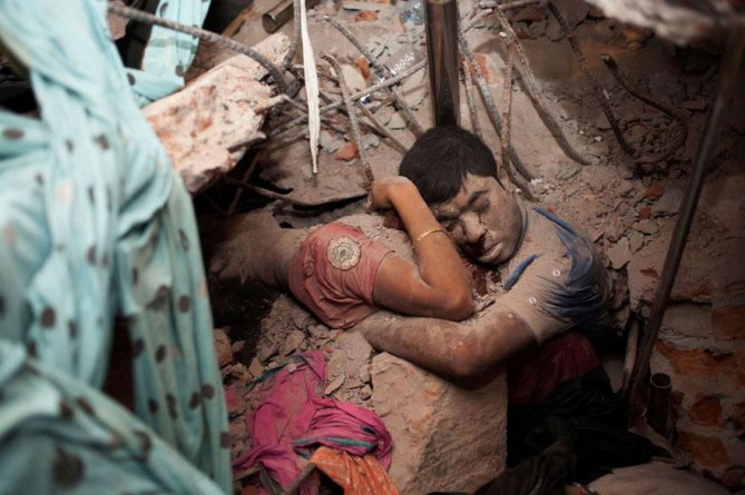 cool-powerful-photos-earthquake-victims-669x445.jpg