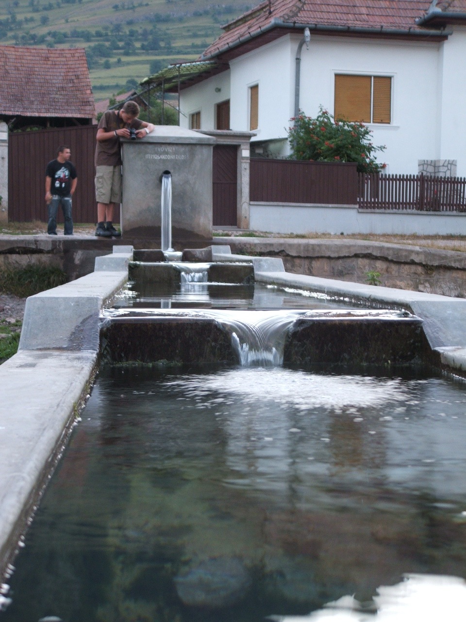 A vajor egy ritkán használt kifejezés, de Torockón ez nagyon is közismert, mivel a település központjában<br /> található.  Egy több funkciós medence ez, felül forrásvíz folyik be, ami ivóvíz, lejjebb a hosszú vályúból<br /> az állatok isznak, a kiszélesedő medencében pedig mosni szoktak a helybeliek.