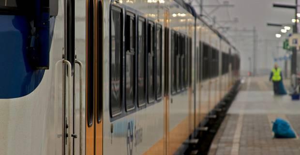 train-cleaning-jobs-birmingham-46324-1.jpg