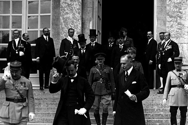trianon-alairasa-versailles-1920-06-04-head.jpg