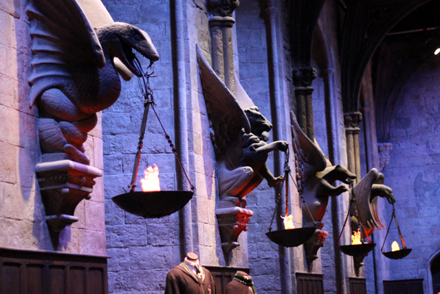 harry-potter-tour-the-great-hall-walls_1.jpg