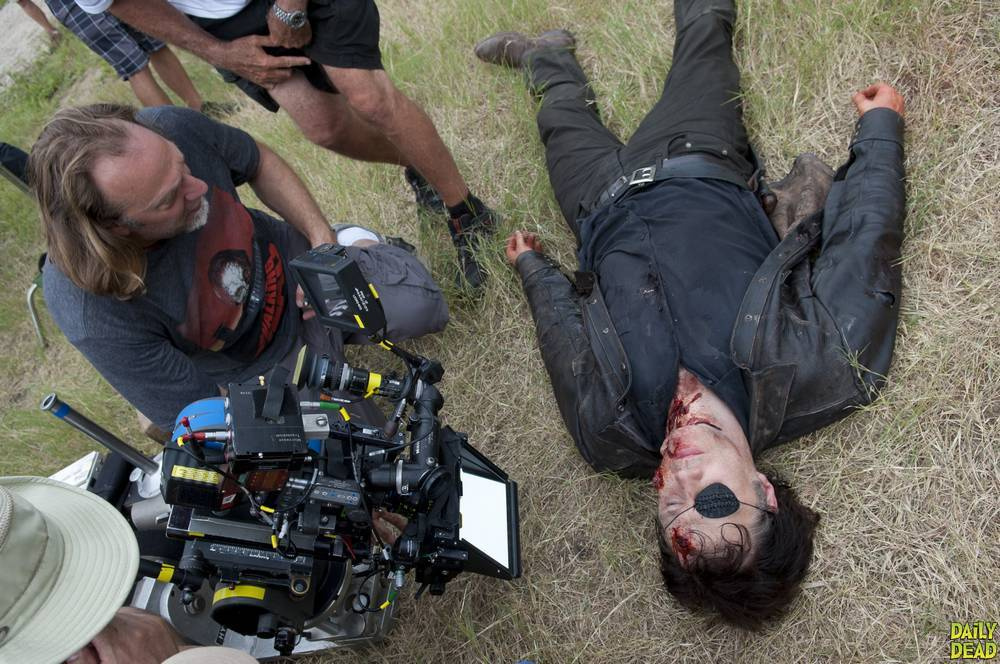 the-walking-dead-4_-sezon-kamera-arkas_-behind-the-scenes-goruntuleri-set-foto_raflar_-15.jpg