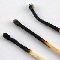 Elégett gyufák