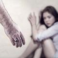 Muszáj beszélnünk a bántalmazásról.
