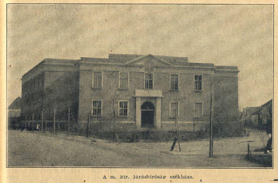 A Hatvani Járásbíróság (és fogda) 1926-ban átadott épülete. A régis-régi időkben ezen a területen állt a községháza.