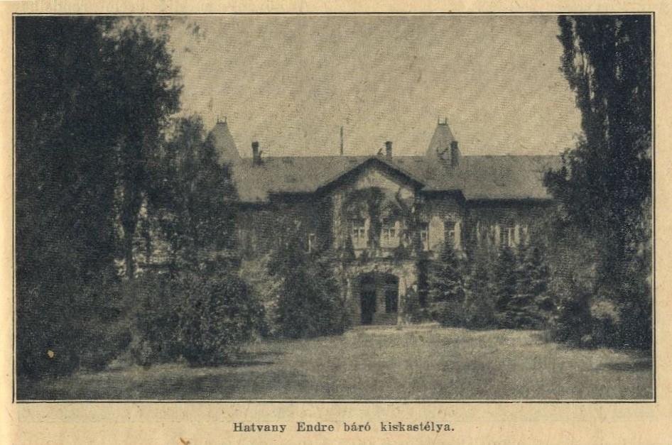 A cukorgyári 'kiskastély', amely Hatvany Endre félhivatalos lakhelyeként szolgált. Jobb szeretett itt időzni, mint rokonaival a 'nagy' kastélyban.
