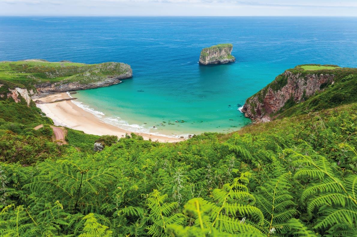 Európa 12 legkedveltebb tengerpartja - Ballota Beach, Asturias, Spanyolország