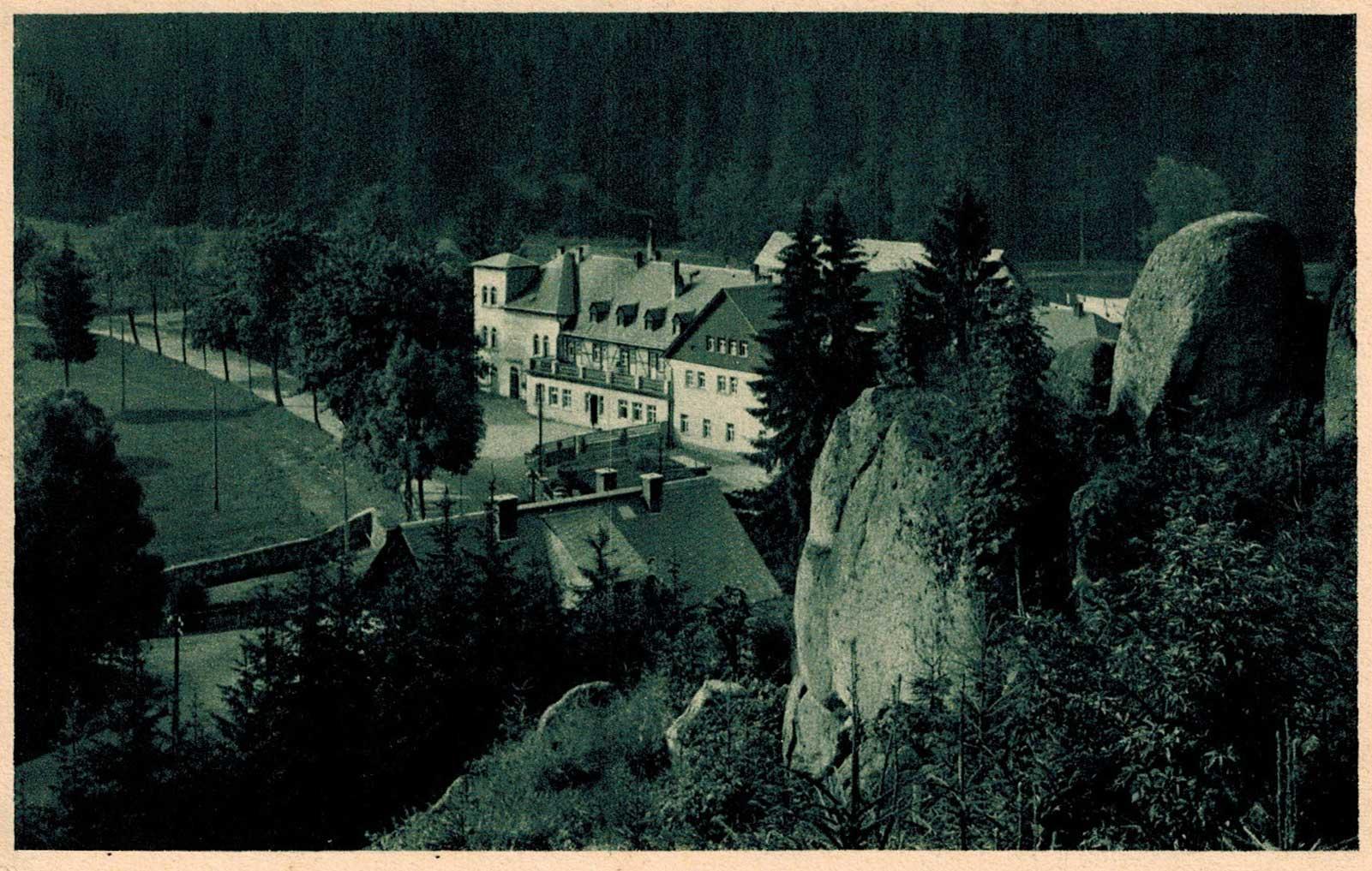 1929, a sziklák alatt a Ház teteje
