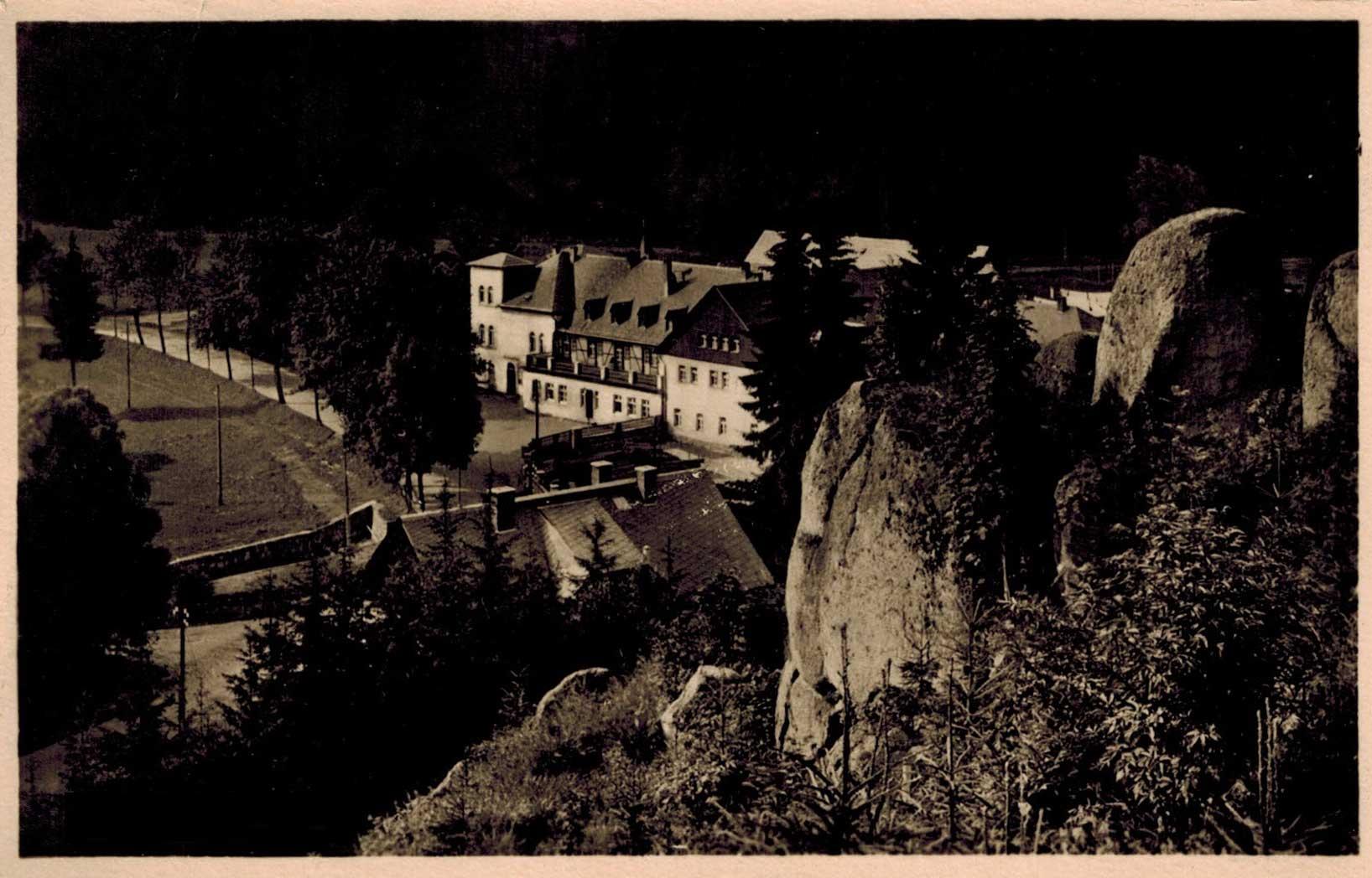 1930, a sziklák alatt a Ház teteje