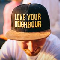 Beköltözés utáni ismerkedés az új szomszédokkal