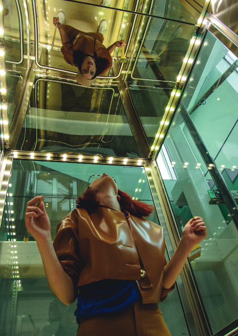 lift_beszorul_beragad_teendo_panik_nem_nyilik_megall_3.jpg