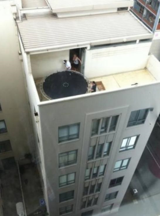 funny-trampoline-balcony-wrong1.jpg