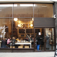 Csak semmi fakszni: Story Deli, London