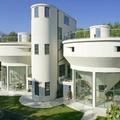 Víztisztító üzemből Bauhaus villa