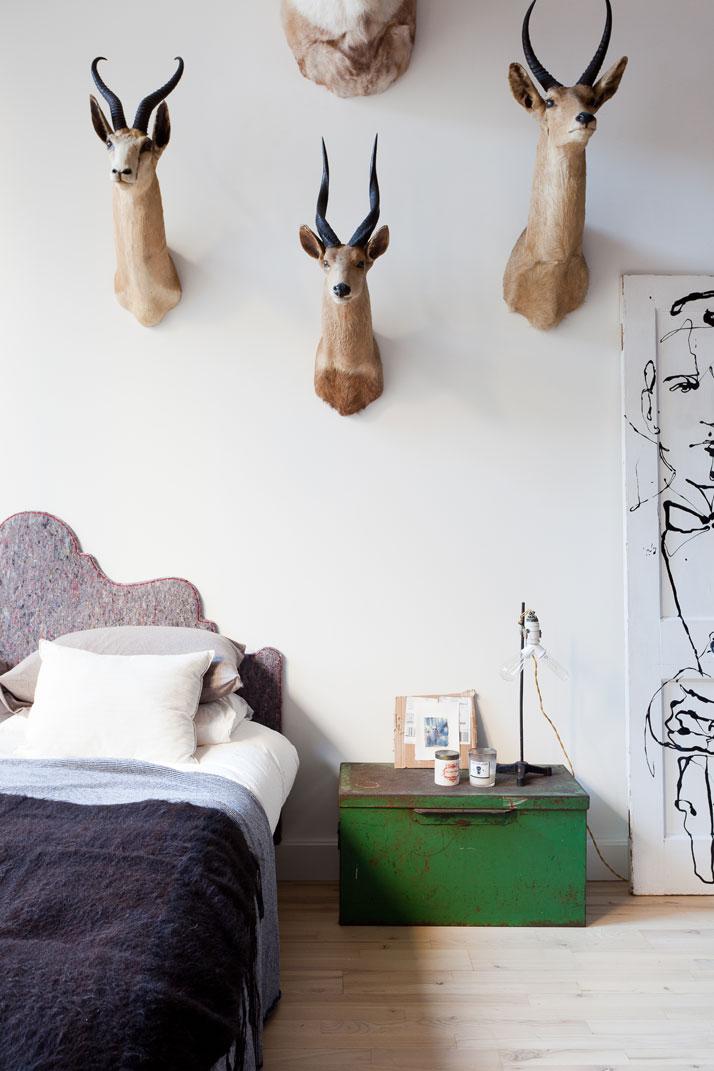 19_hussein_jarouche_apartment_chelsea_nyc_fran_parente_yatzer.jpg