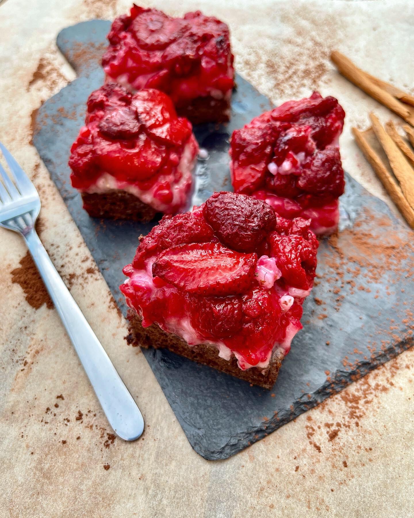 Ragacsos és pihe-puha gyümölcsös tejberizs szelet cukor, glutén és tejmentesen