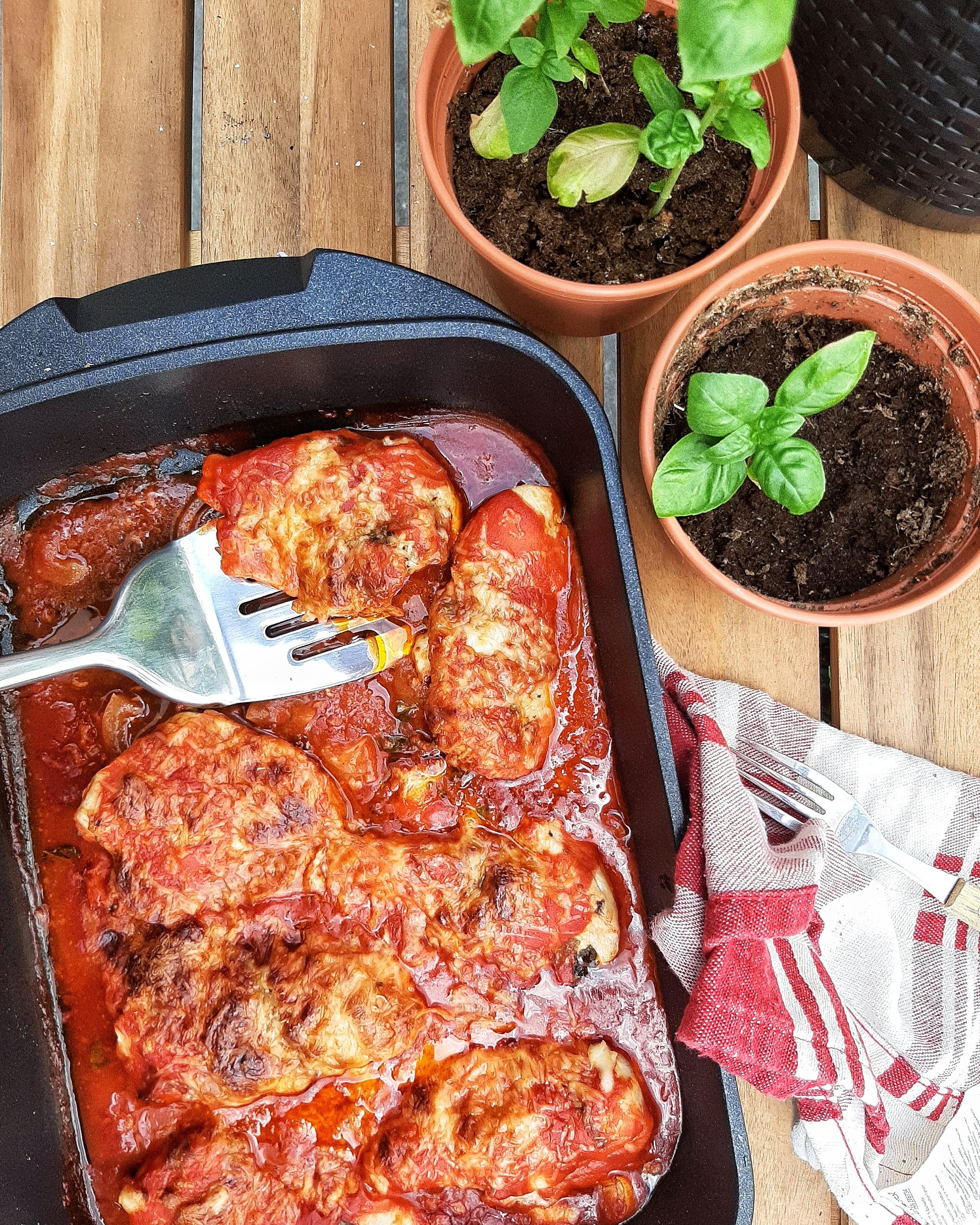 Paradicsomszószos tepsis csirkemell sajttal - ha diéta alatt olaszos ízekre vágyunk