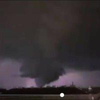 Durva vihar Bécsben: tornádót filmeztek az osztrák főváros közelében (videóval)