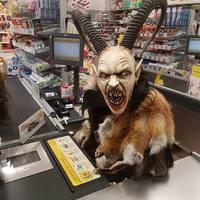 Ki az ördög ez a pénztárban? Csak nem az osztrák Kasszás Erzsi?