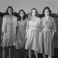A múló idő nyomában: a Brown-nővérek 40 éve