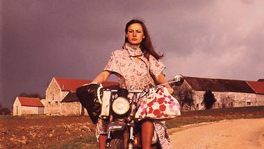 A nő, aki körbemotorozta a földet
