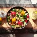 Indiai csicseriborsó saláta