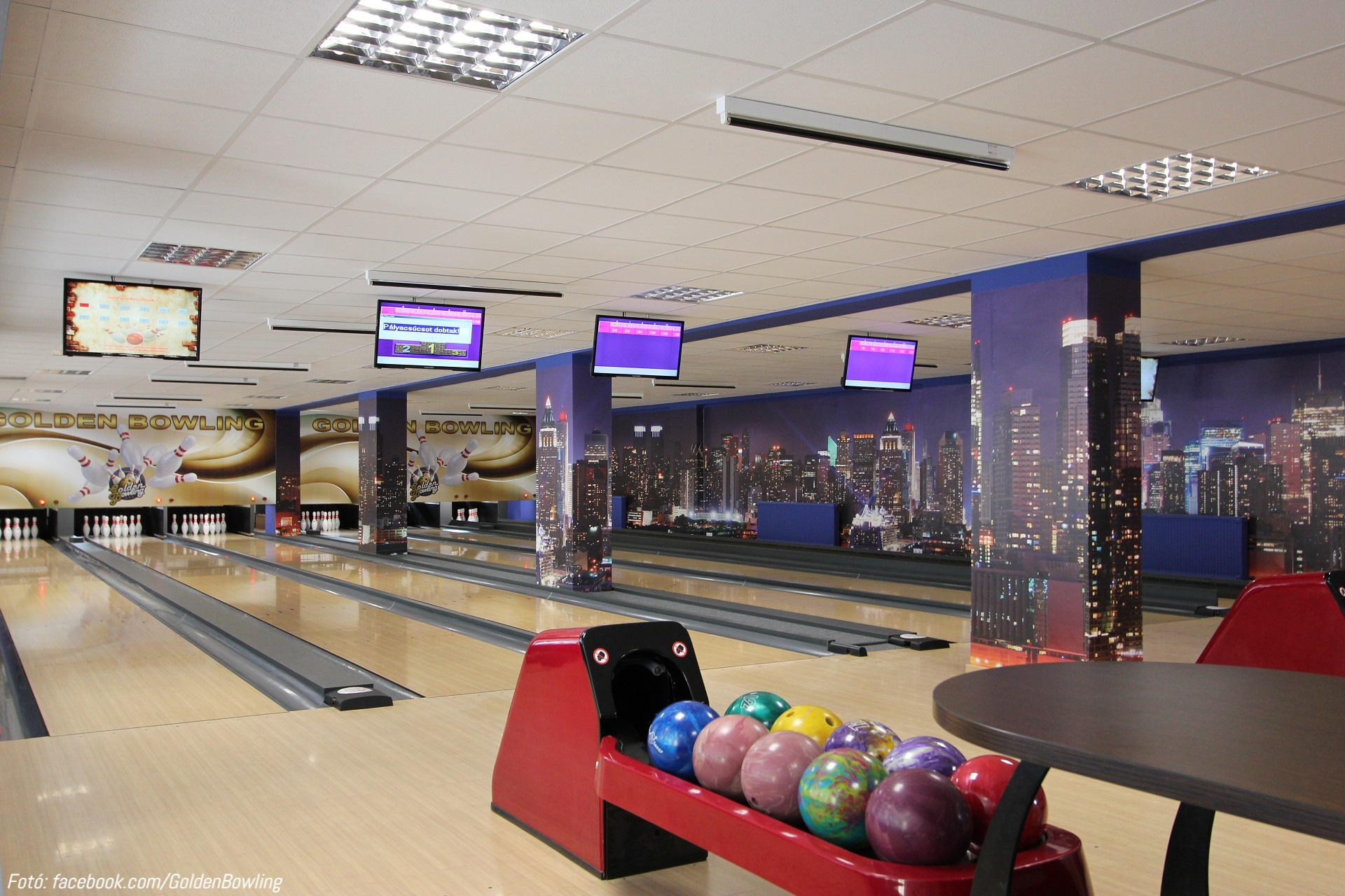 bowling1_1.jpg