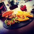 Bubu burger a'la Cortado #hungary #eger #gasztrofoto #restaurant #hamburger #coffee #karltietze #mutimiteszel #finom #hellotourist #bundáskenyér