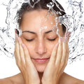 Hogyan hidratáljuk a bőrünket helyesen?