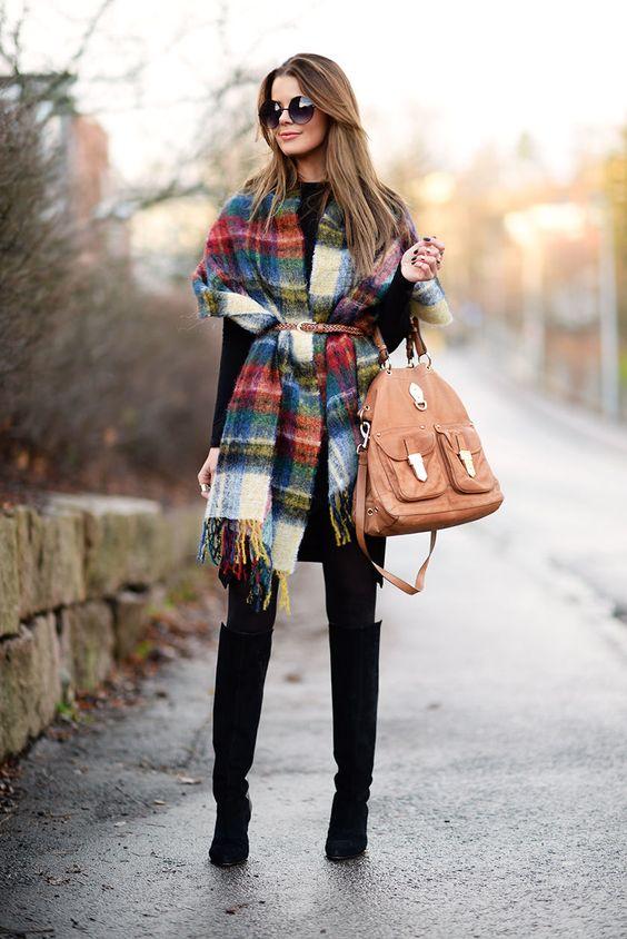 3d5f83bc50 A hideg időben sem kell mellőznünk a ruhákat, csak szerezzünk be egy  pihe-puha kötött darabot! A pulóver ruha jó választás (akár garbó nyakkal),  ...