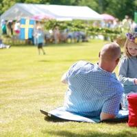 Virágkoszorú, tengerészsapka és máglya: a svéd ünnepek legfőbb kellékei