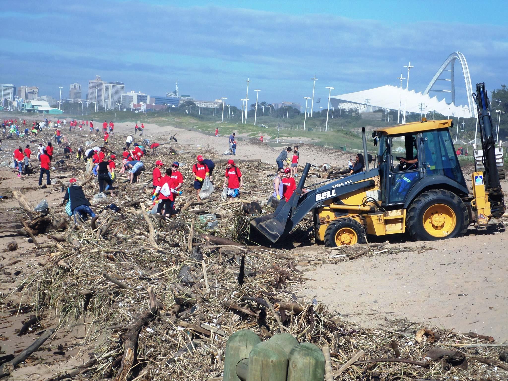 Durban, óceánpart vihar utáni takarítása (Fotó: Szabó Ági)