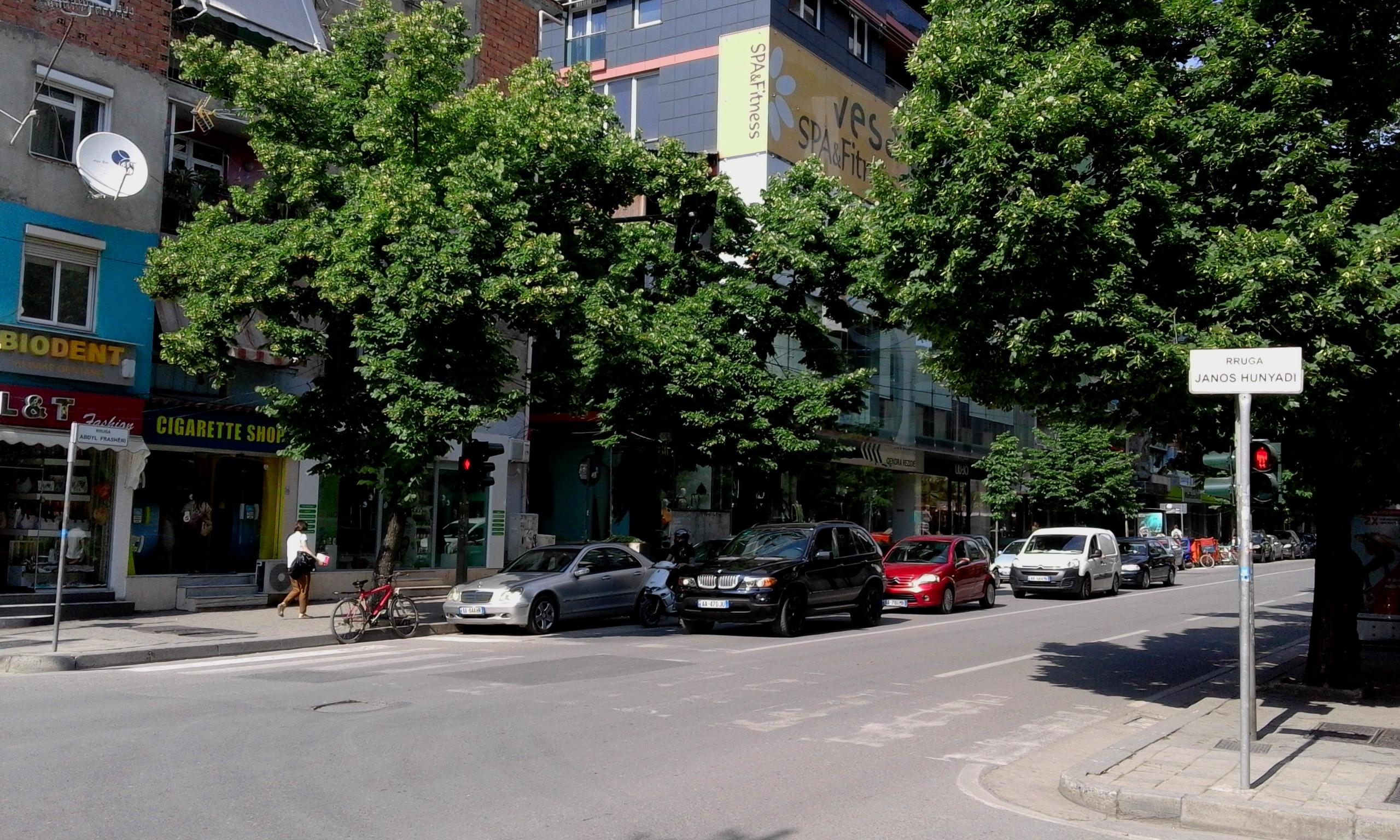 Hunyadi János utca Tiranában (Fotó: Jani haverja)