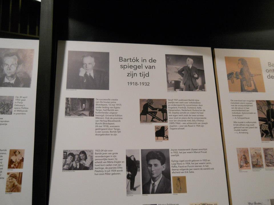 Utoljára pedig kihagyván a belga sült krumplit és waffelt, egy igazán említésre való képet találtam a fotóim között. Ezek a táblák Brugge egyik színházában találhatók és olvashatók a mi Bartók Bélánkról. - (Fotó: Botos Zsuzsanna)