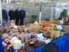 Az őstermelők portékái mellett kézműves termékek és ajándéktárgyak is kaphatók (Fotó: Jani haverja)