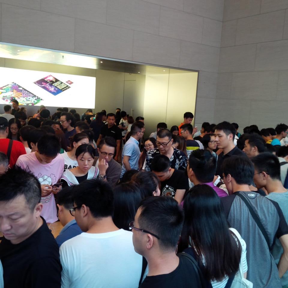apple_store_sanghaj_tomeg.jpg