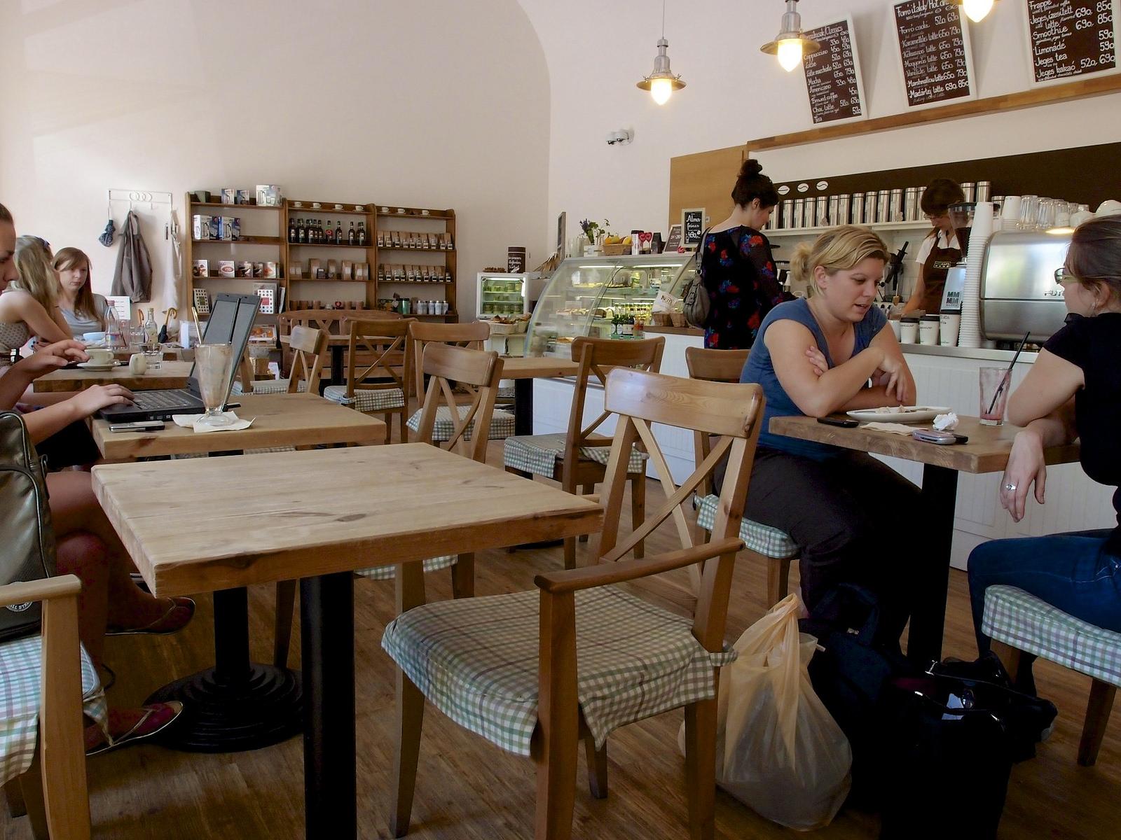 Ecocafe, Budapest egyik első környezettudatos kávézója (Fickr/babubenj)