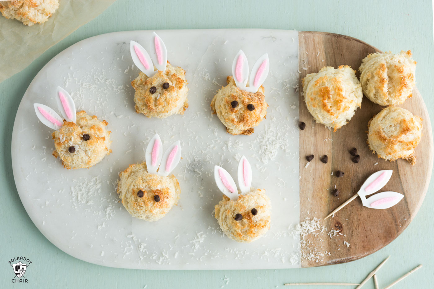 Húsvéti kókuszos nyuszi macaron (www.polkadotchair.com)
