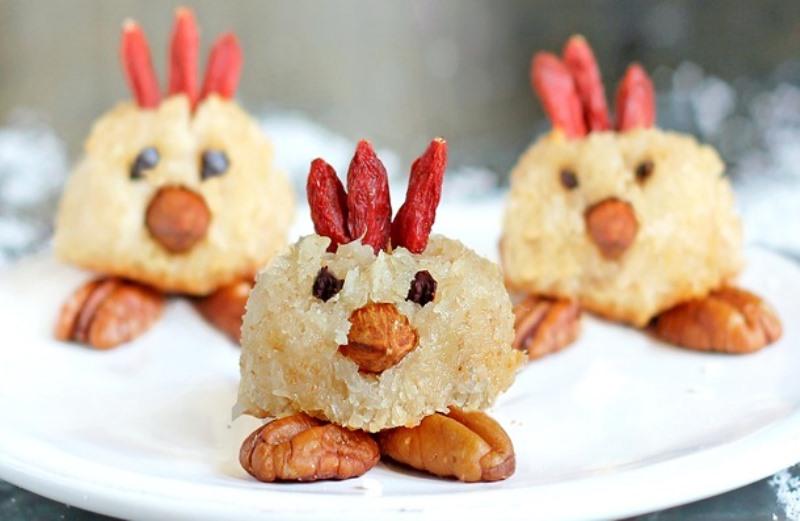 Húsvéti kókuszos csibe macaron (Fotó: www.chocolatecoveredkatie.com)