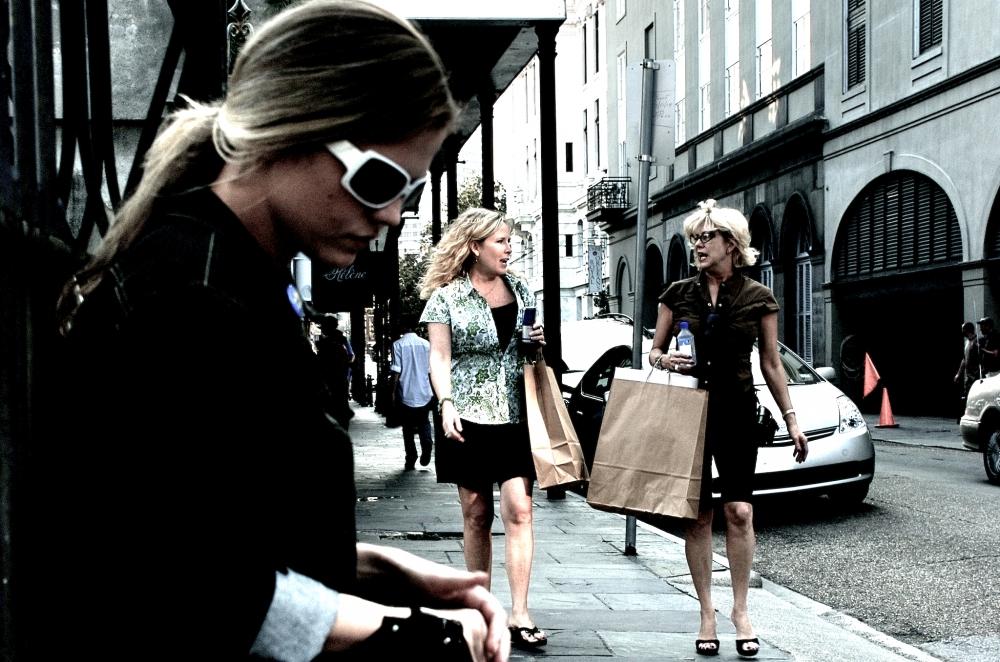 frenchquarterstreetsidewalk2007.jpg